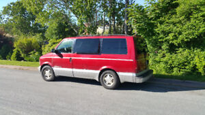 AWD Leather1998 GMC Safari SLT Minivan, Van