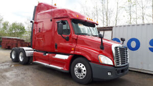 2012 Freightliner Cascadia T/A Highway Tractor