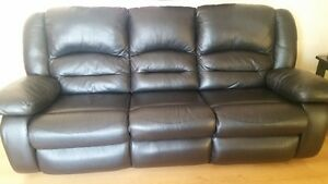 RECLINER/COUCH Black Leather