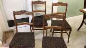 ANTIQUE DINING CHAIRS SET OF 4 Windsor Region Ontario image 1