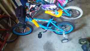 Boys 12in bike with removable training wheels