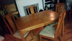 Dining room oak table with 4 chairs