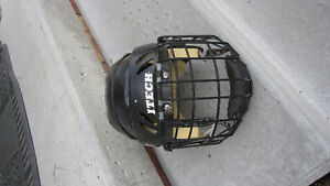 Hockey Helmet Size Small- kids Peterborough Peterborough Area image 1