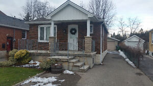 Willowdale 3 Bedroom 2 bath Bungalow for Lease Finished Bsmnt