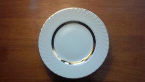 Barratts Golden Anniversary Dinnerware 22kt gold trim Kitchener / Waterloo Kitchener Area image 3