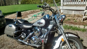Kawasaki Vulcan, dressed like a Nomad - great condition