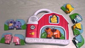 Leap Frog magnetic barn and vehicles