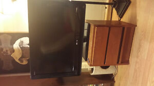 sony 32 inch flat screen tv with remote