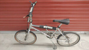 OLD SCHOOL VINTAGE CANADIAN SEARS HUTCH 1986 BMX BICYCLE