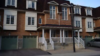 STUNNING 3 BDR TOWNHOUSE WITH WALK-OUT BASEMENT IN RICHMOND HILL