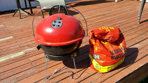 Portable BBQ with Charcoal/cleaning Brush