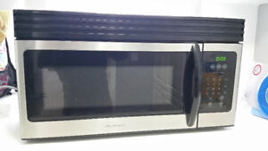 Frigidaire FMV157GC 1.5 cu. ft. Over-the-Range Microwave Oven