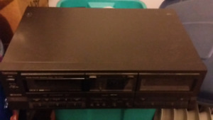 Yamaha 5 CD player & cassette tape player