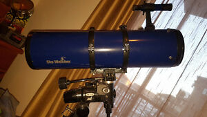 SKYWATCHER telescope with mount and extra lenses