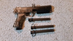Paintball marker Er2 pistol.