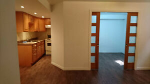 Semi-basement 31/2 apartment,Cote des neiges Available now