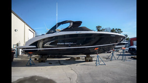 2015 Regal 3200****like new condition**** Brand new trailer incl