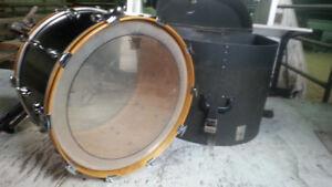 Slingerland base drum 1972 and 18 inch.