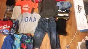 BOYS 2T CLOTHES. BRAND NAME/ sleeper 3t