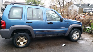 Parting out 04 jeep liberty