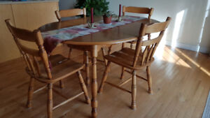 Dining Room Set - Oval Table & 4 Chairs $125