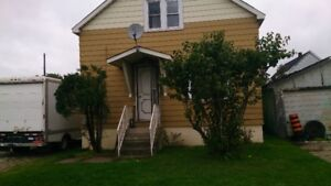 House short or long term furnished & utilities with short term
