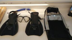U.S. Divers Snorkeling Set - Mask, Snorkel,Fins Bag
