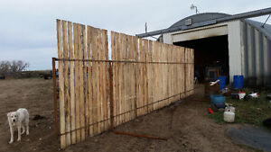 31 FEET FREE STANDING WINDBRAKE PANELS Moose Jaw Regina Area image 1