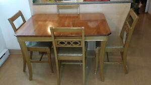 Vintage Table à dinner en Bois + 4 chaises