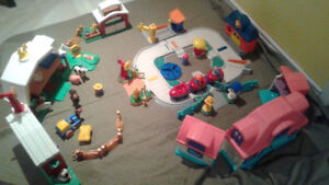 Ensemble Fisher Price Little people