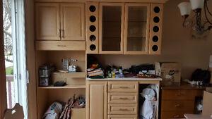 armoires et portes de cuisine en chêne blanchi et trois meubles