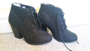 Cute Black Heel/boots