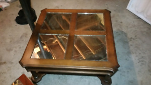 Wood table with 4 mirrors  60 obo