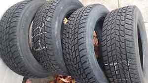 4 pneus d'hiver toyo 195/65r15