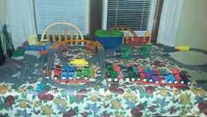 Huge Thomas the train trackmaster lot.