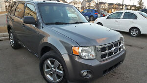 2011 Ford Escape AWD Limited edition Low km SUV, Crossover