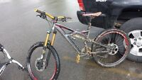 stolen specialized enduro mountain bike w/ custom parts