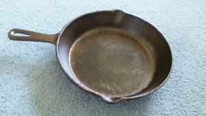 """Wagner Cast Iron Frying Pan / Skillet - 10.5"""" / 26.5 cm"""