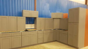 15+ Kitchen Cabinet Sets at Auction - Ends March 20th