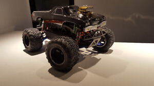 Hpi savage xs with lot of up upgrades !! West Island Greater Montréal image 1