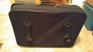 Vintage Luggage Bag!! Great Condition!!