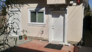 Full Furnished 2bedroom in Laneway house $1680