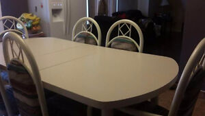 Dinning table set for 6