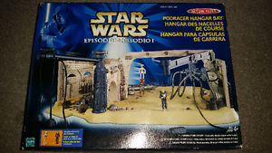 VINTAGE STAR WARS  podracer hangar bay. only 19$ see my other ad London Ontario image 1