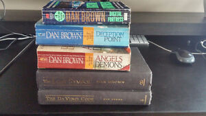 Dan Brown book collection. 5 books (2 Hardcover)
