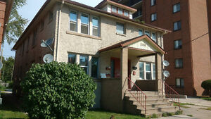 Large 2 Bedroom, 2 Bath Near University - All Inclusive