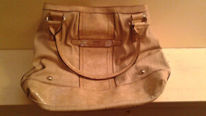 GENUINE GUESS PURSE--$25  FIRM