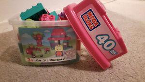 Mega Bloks 40-Piece Pink Tub Toy Set London Ontario image 1
