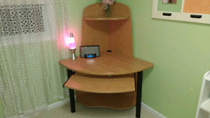 Computer Corner Desk With Keyboard Tray