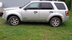2008 Ford Escape parting out